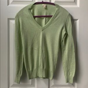 J crew green summer weight v neck sweater